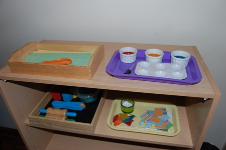 preschool_art_shelf